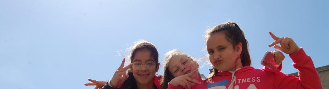 Selfie de trois fillettes